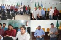 Secretário de agricultura de Colniza, técnico e vereadores participam de uma reunião sobre o cacau clonal em Juruena